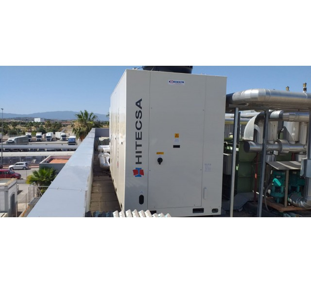 Hitecsa - KRONO2 HE Heat Pump by Hitecsa in a major soap and detergents production plant in Murcia